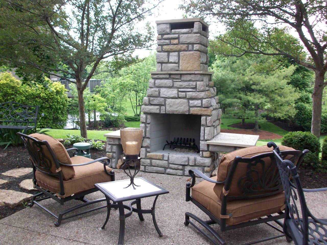 Create Pathways: If You Have Elements Such As Fireplaces And Firepits Or An  Outdoor Bar, Arrange Your Patio Furniture Around These Items Appropriately.