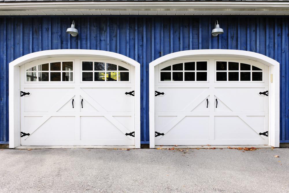 3 new garage door trends taking over 2017 american for Garage door trends 2017
