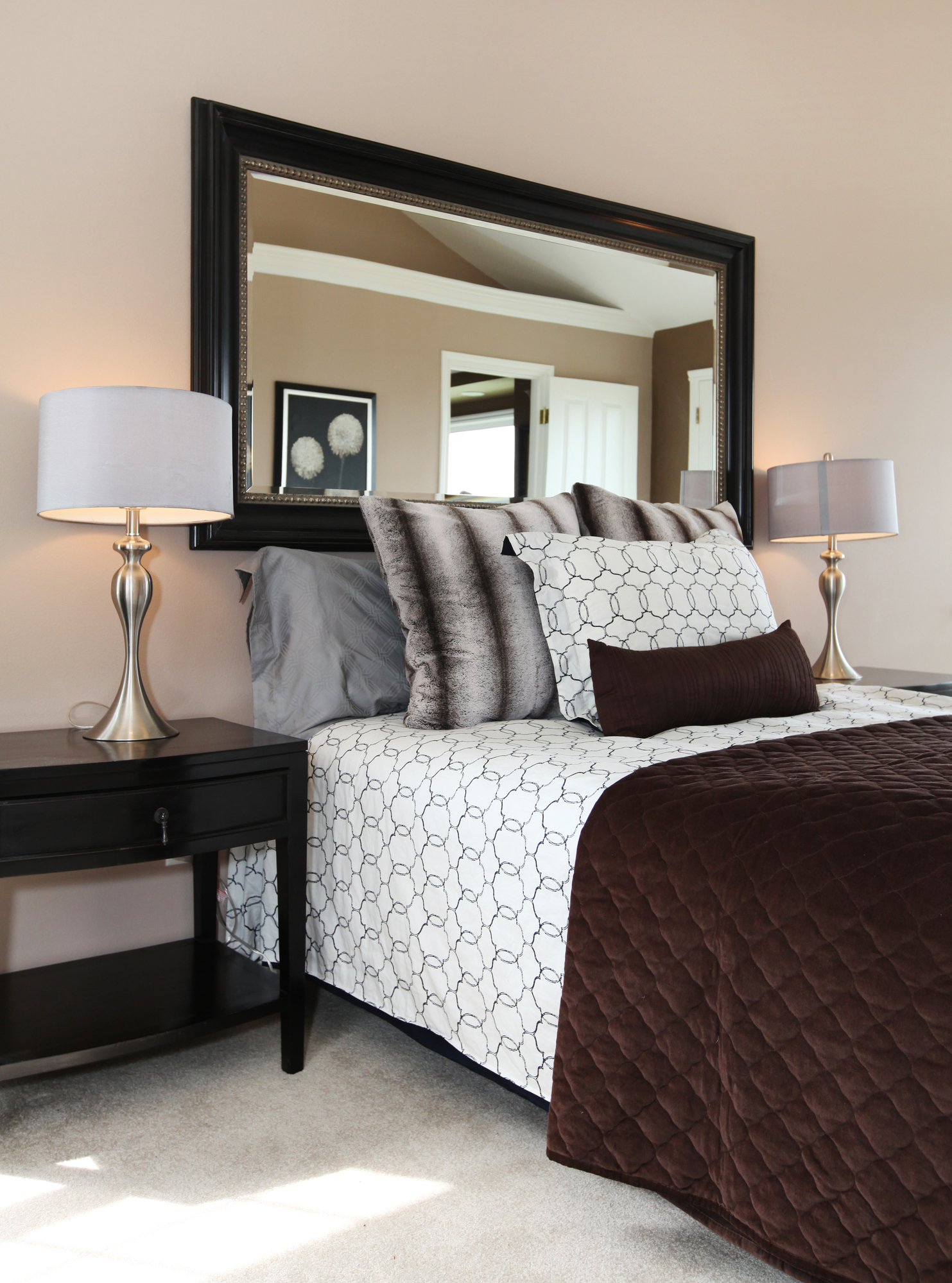 5 Ideas For Decorating A Bedroom With Mirrors Stanford S