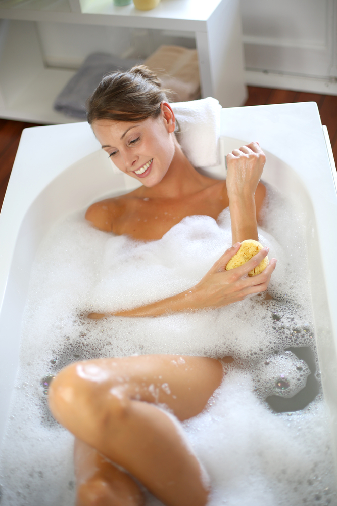 Replacing Your Old Bathtub Save Money By Choosing A