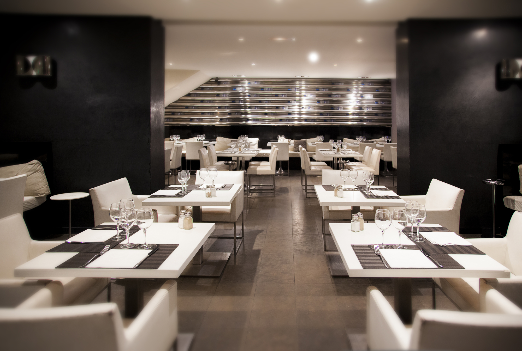 3 Practical Tips for Decorating Your Restaurant - CET ...