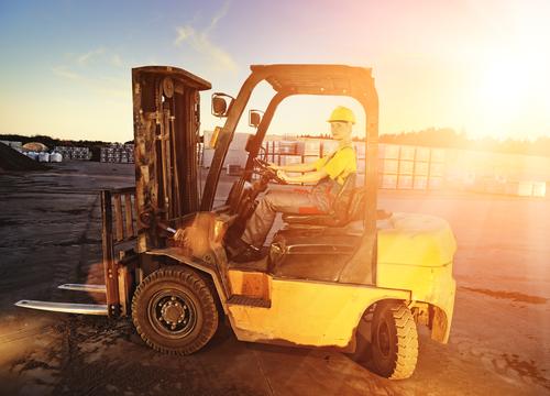 Forklift Dealer Explains Whether You Should Buy or Rent a