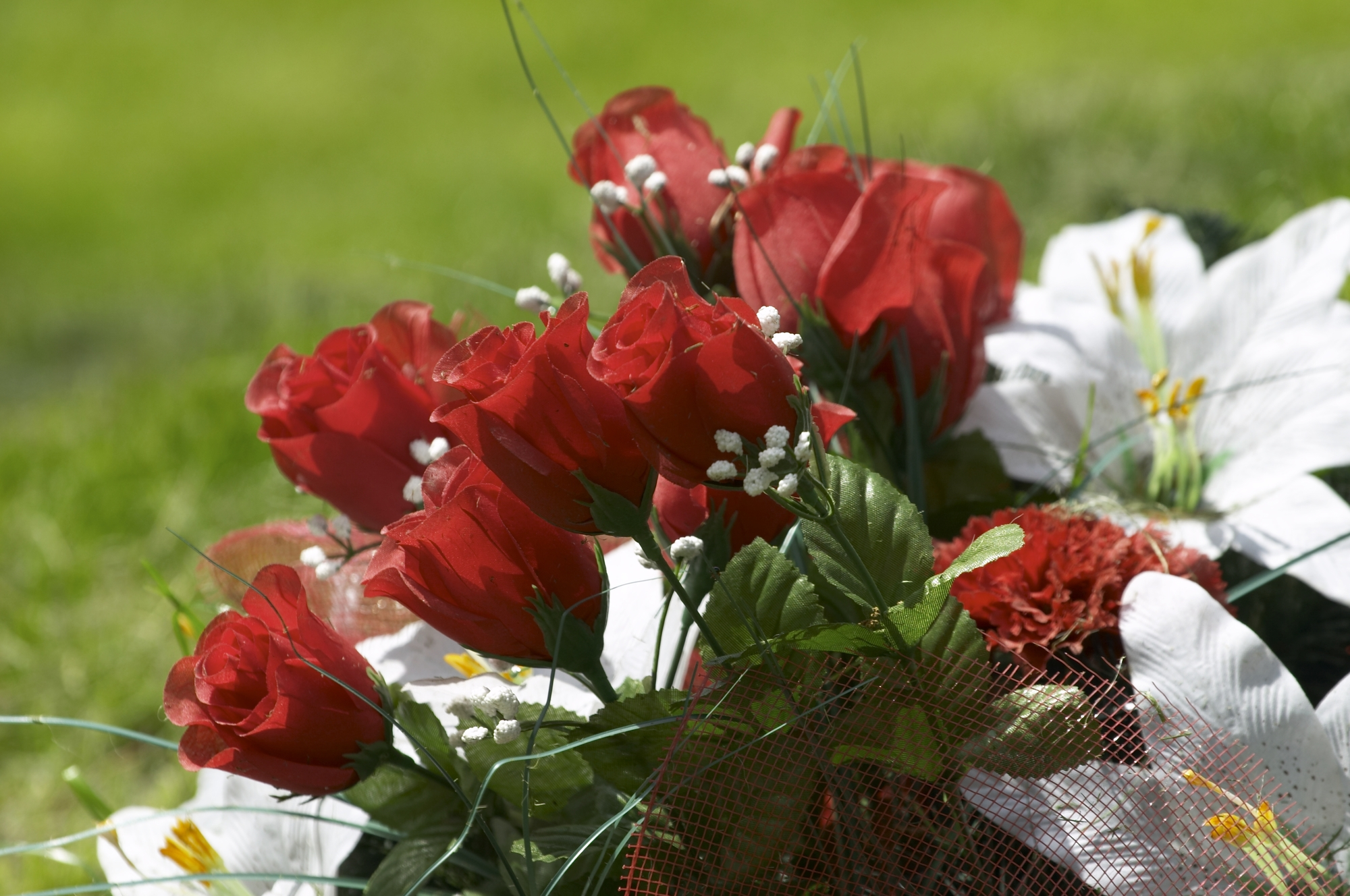 5 Beautiful Blooms to Honor Your Departed Loved One - Adzima Funeral ...