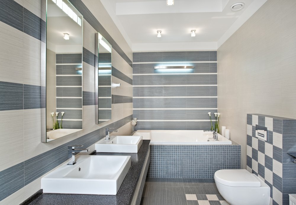 Remodeling Contractor Explains The Best Tiles For Small Bathrooms