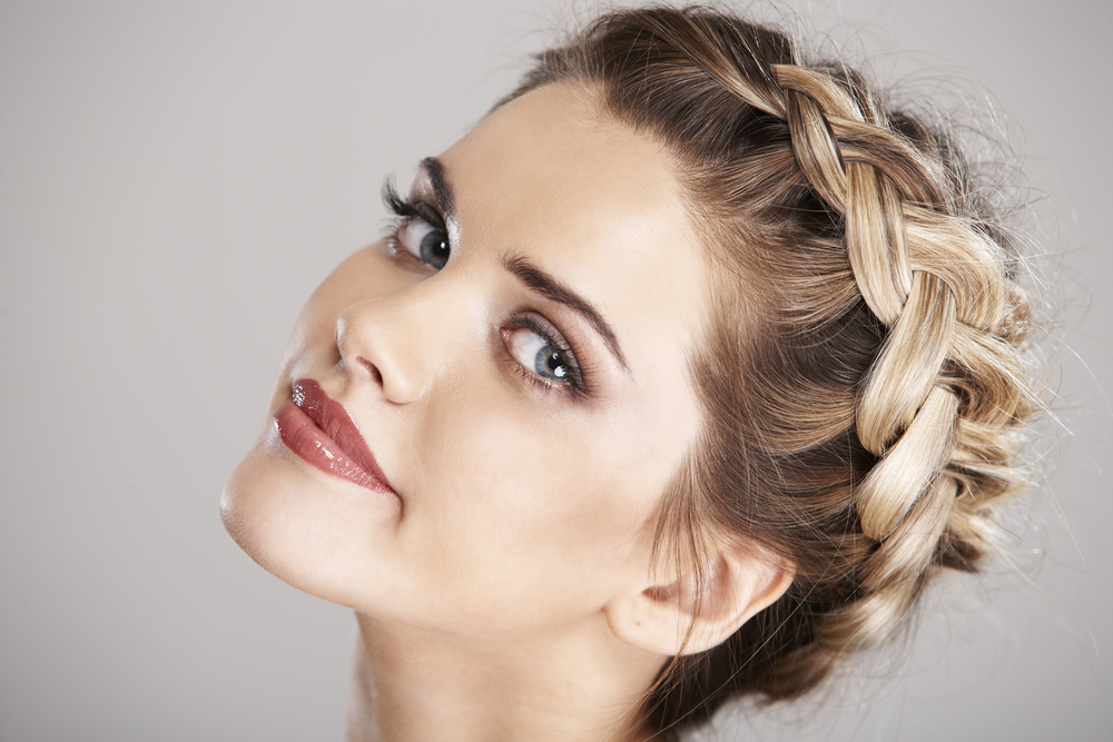 4 Humidity Proof Curly Hairstyles Bloom Beauty Lounge