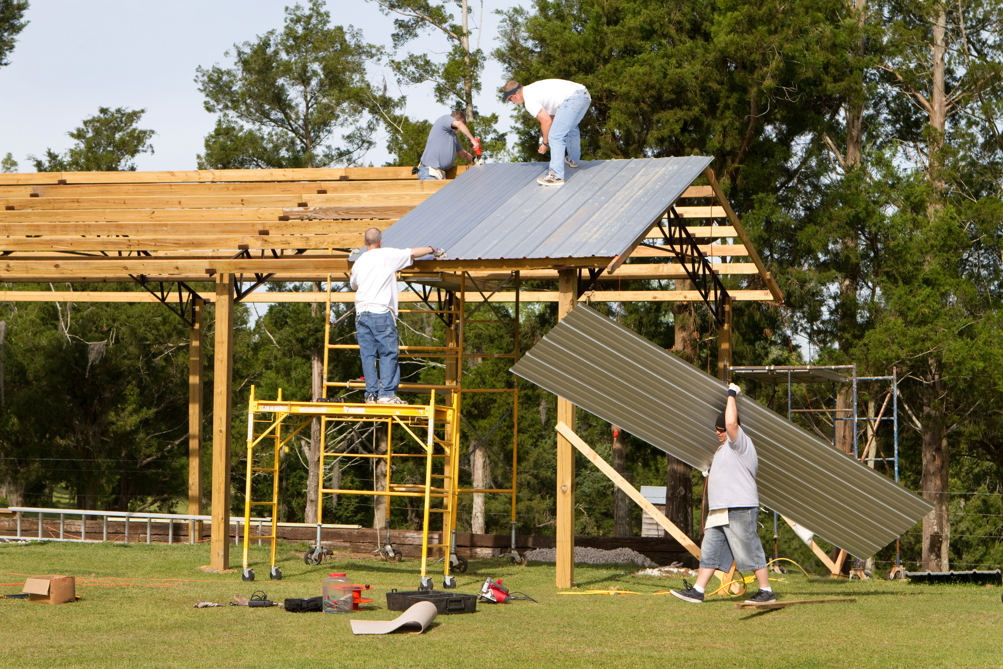 Metal roofing supplier provides 3 benefits of a pole barn for Barn construction kits