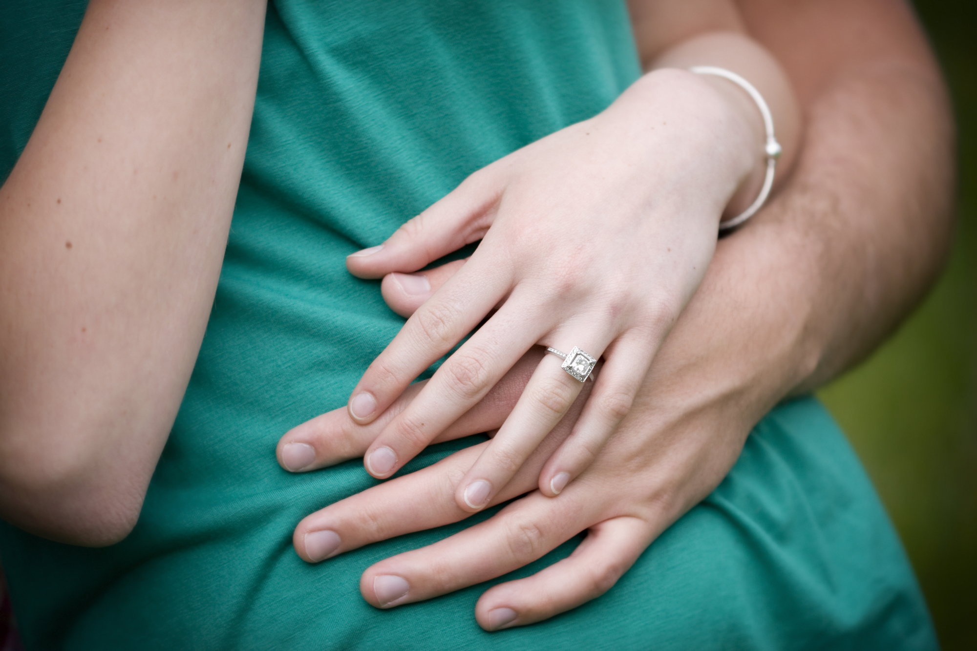 A Beginner\'s Guide to Buying an Engagement Ring - Schwartz Jewelers ...