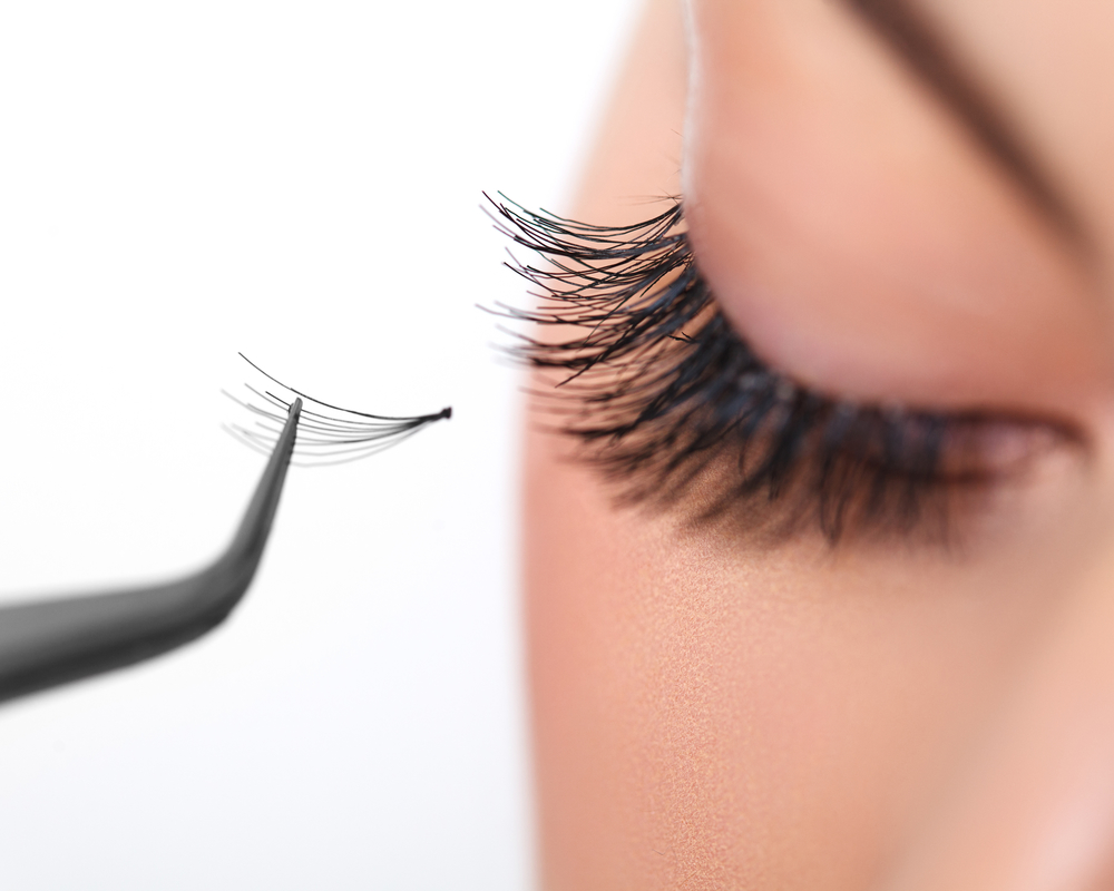 A Beginners Guide To Eyelash Extensions Hawaii Massage Academy