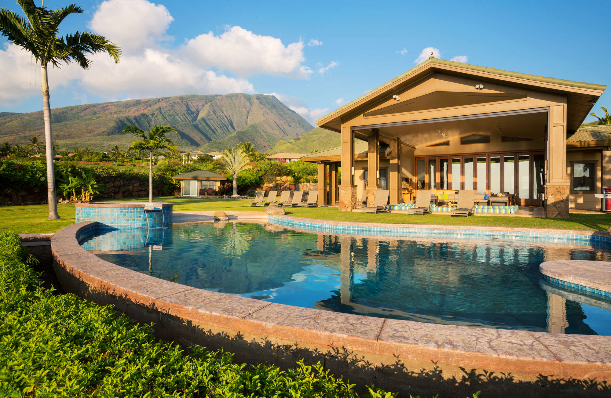 Hawaiian Real Estate Should You Rent Or Buy Classic
