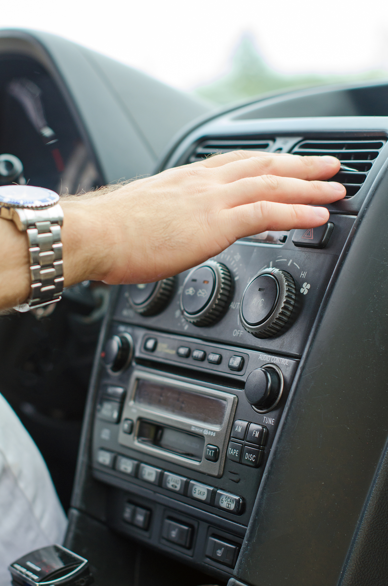 3 Signs Your Auto Air Conditioning Needs Servicing - Smyth Auto