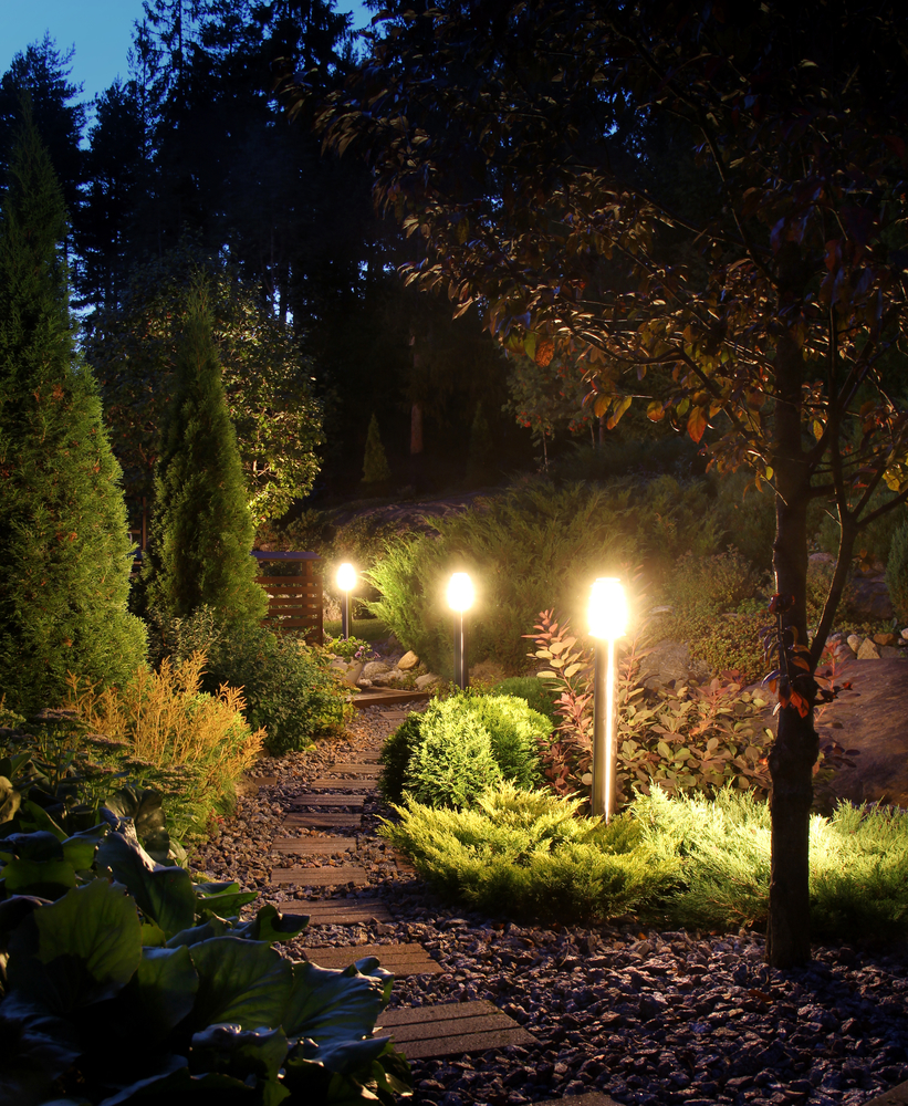 4 types of landscape lighting trending this summer allan electric webster nearsay