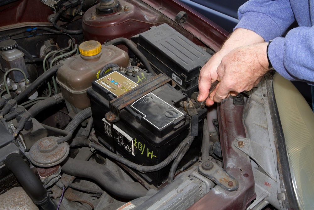 Towing Service Provider Lists Causes of Dead Car Batteries