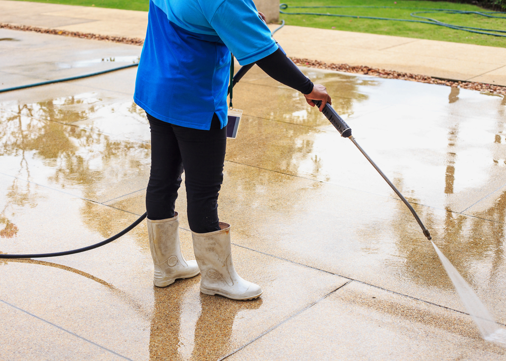 4 faqs about concrete driveways rock 39 s masonry islip for Best way to get oil out of concrete