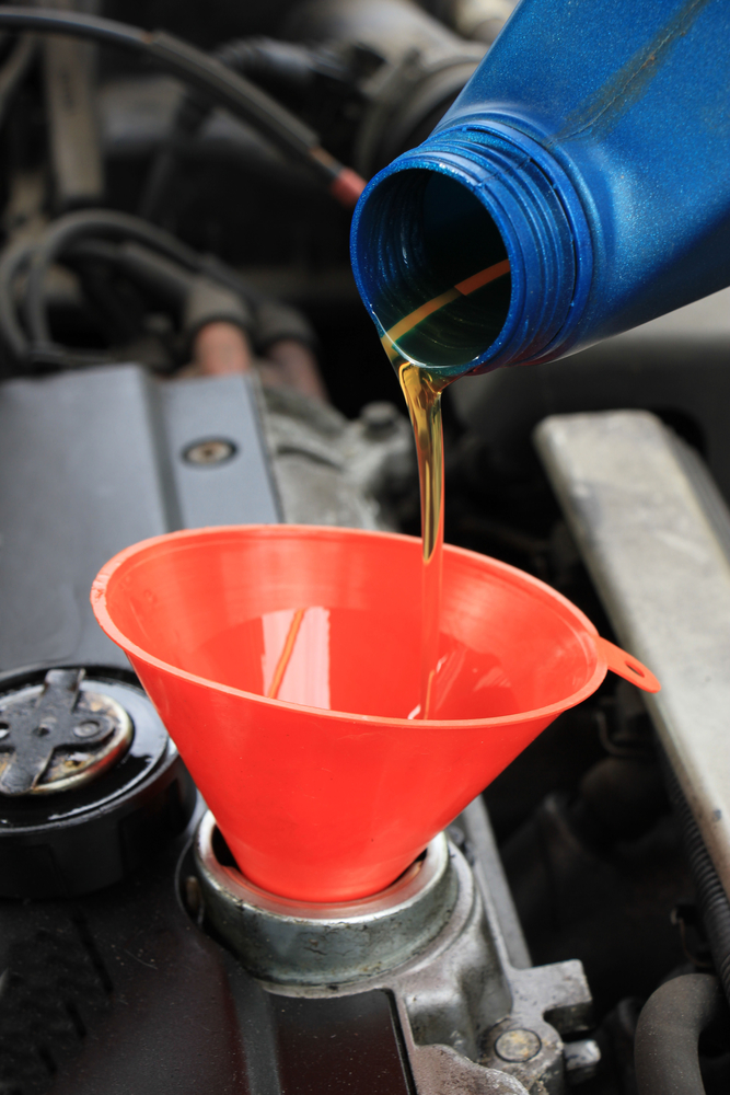 4 Signs Your Car Needs an Oil Change - Jim's Auto Clinic LLC - Green