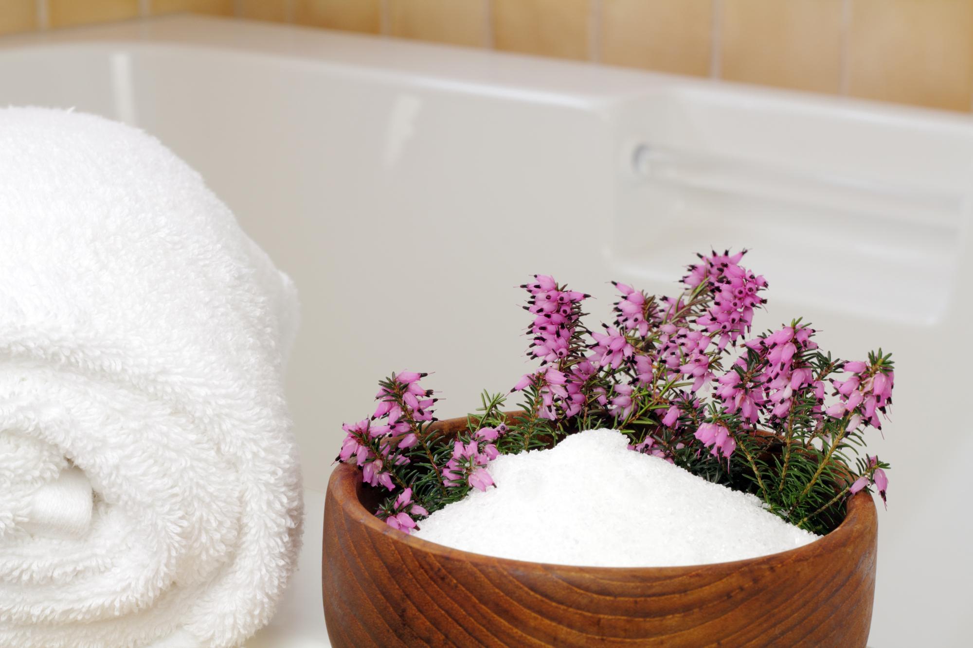 3 Benefits of Epsom Salt When Treating an Injury - IMUA