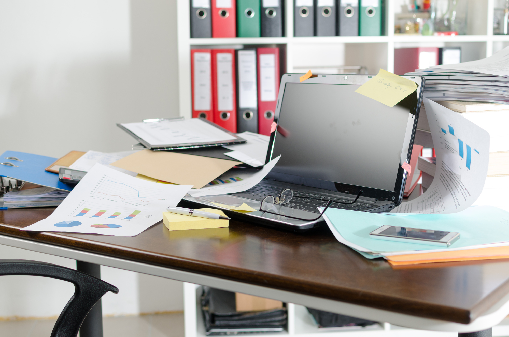 3 Cleaning Tips To Keep Your Work Desk Tidy Marsden Building