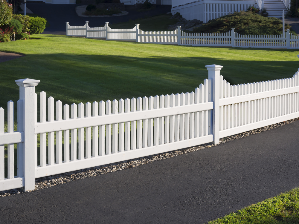 5 Vinyl Fence Power Washing Tips To Remain Homeowners