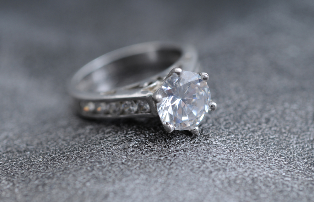 3 Simple Engagement Ring Designs She s Simply Going to Love