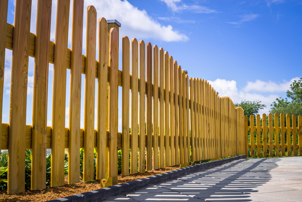 5 questions to ask your fence contractor when you request for Picket fence cost estimator