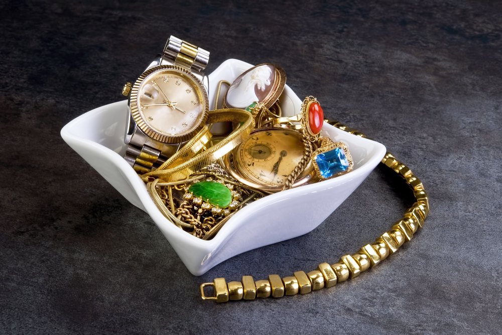 3 tips to make fast cash this summer with unwanted jewelry for Ez money pawn jewelry