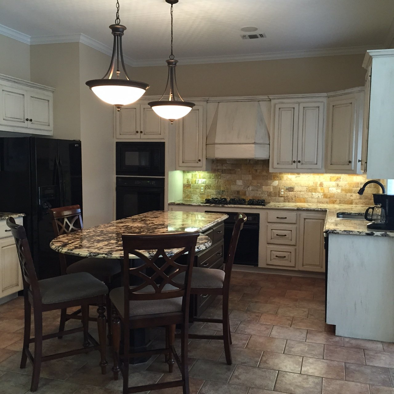 Types of kitchen lighting Task Kinds Of Lights To Consider For Your Kitchen Remodel Nearsay Popular Types Of Kitchen Lights Janet Green Interior Design