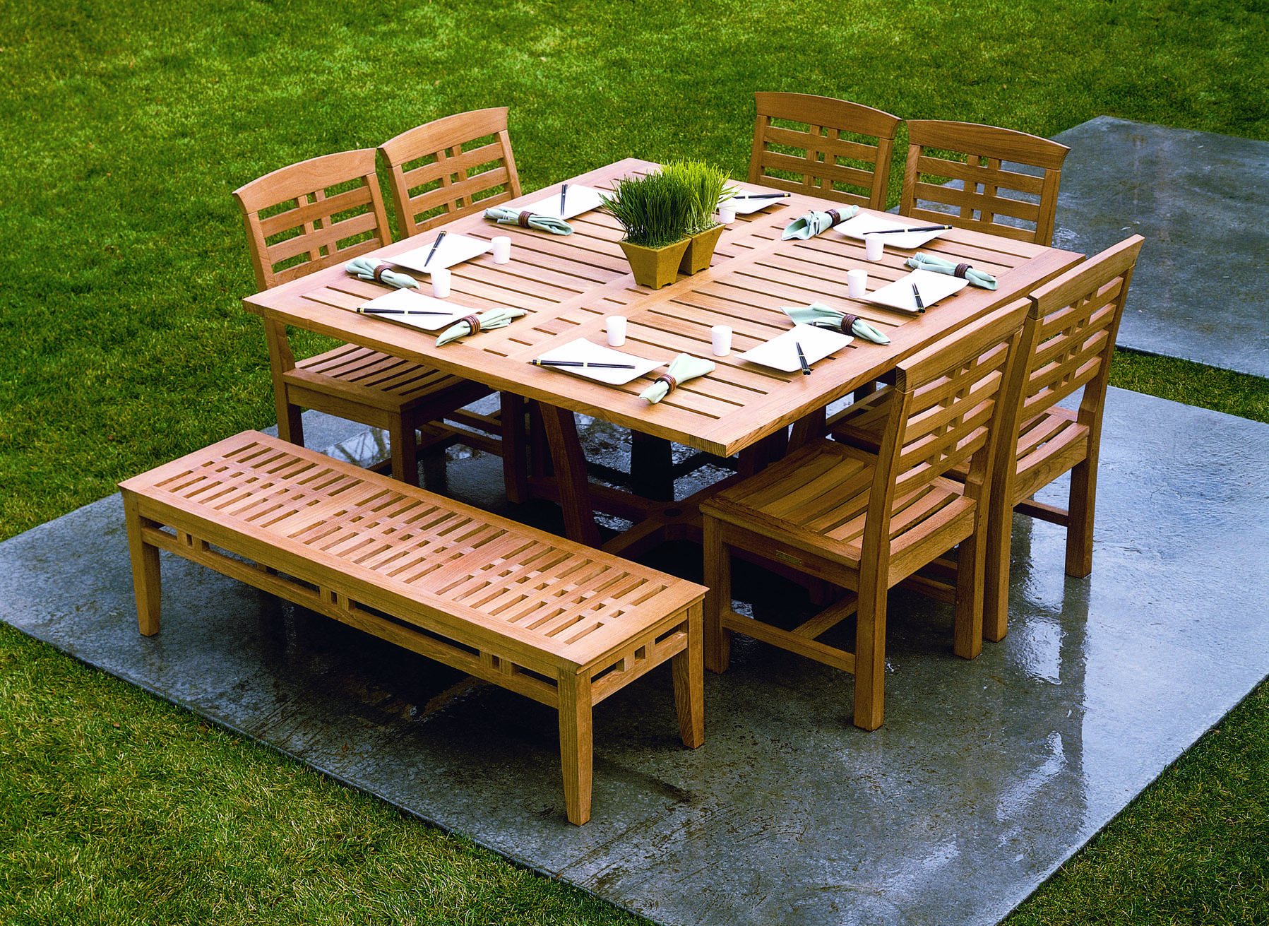 Pettis pools patio shares top patio furniture materials for Best outdoor furniture material