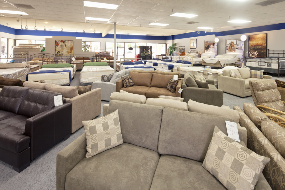 5 mistakes to avoid when visiting the furniture store for Furniture sale sites