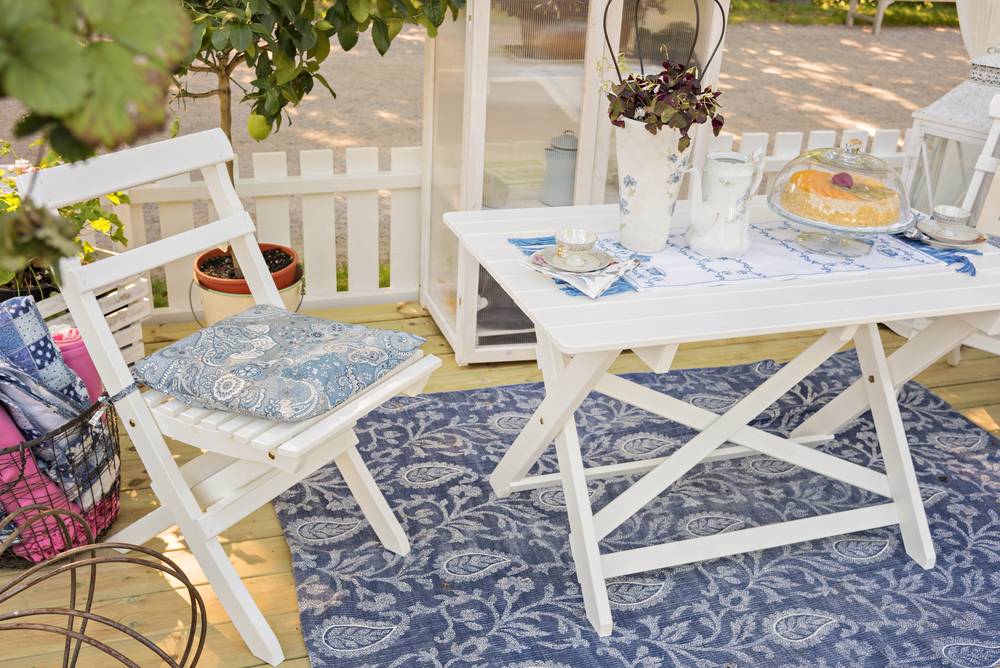 5 tips for buying patio furniture pettis pools patio for Affordable furniture greece ny