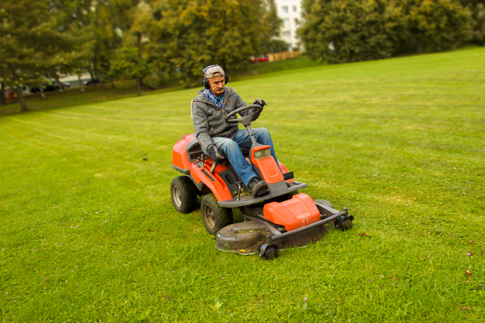 A brief guide to 3 pieces of outdoor power equipment their uses stanly tractor company new - A brief guide to a durable roof ...