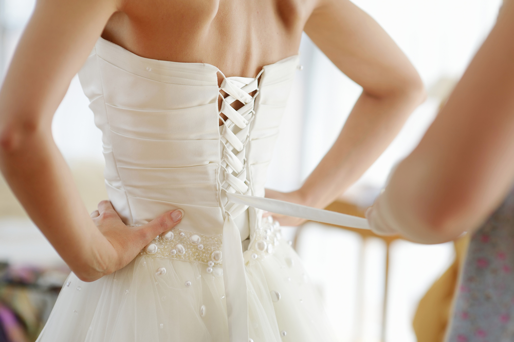 5 Necessary Steps for Altering Your Wedding Dress - Wo\'s Custom ...
