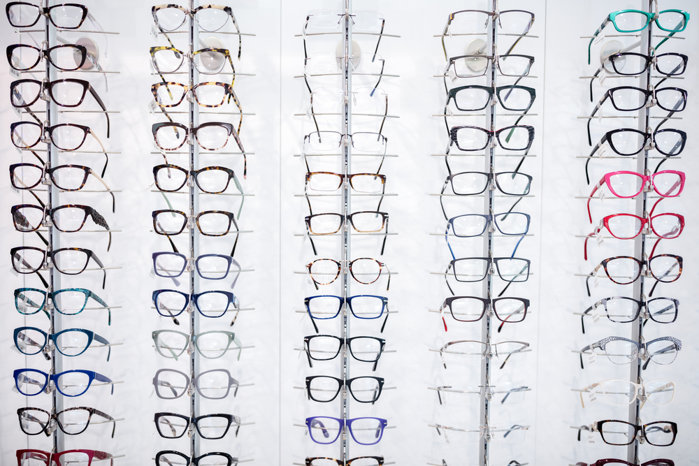 dc270dce07ba7 3 Style Tips for Choosing the Right Frames for Your Eyeglasses - The ...