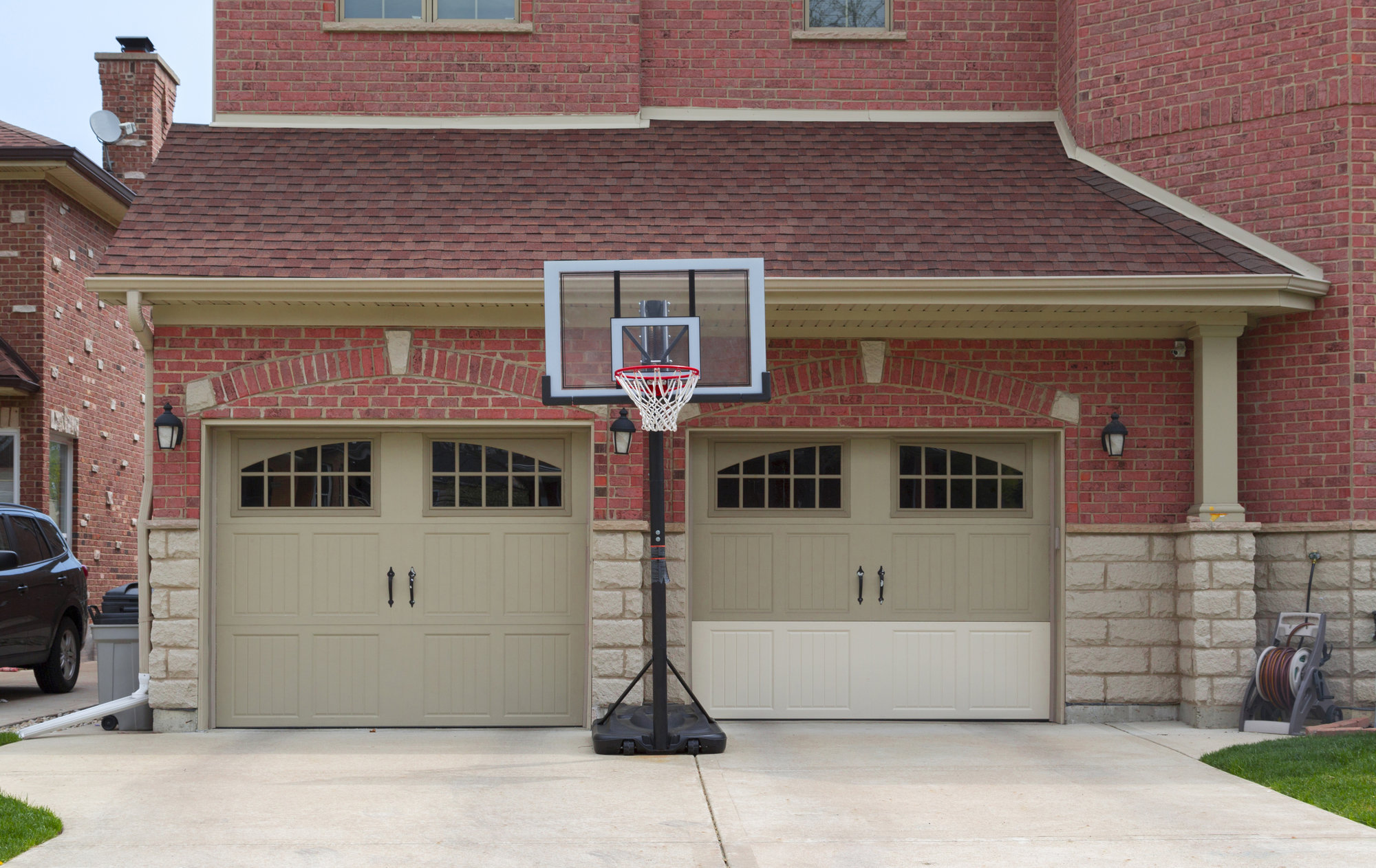 Rochester-New-York-residential-garage-doors