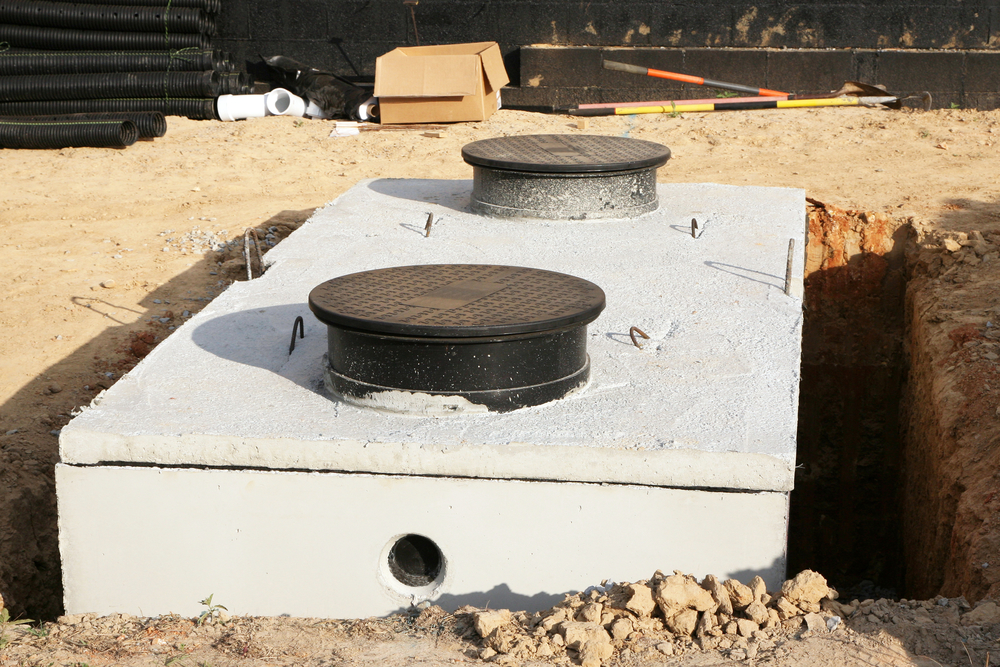 Sewer solutions 3 signs septic tanks need maintenance for Septic tank fumes in house