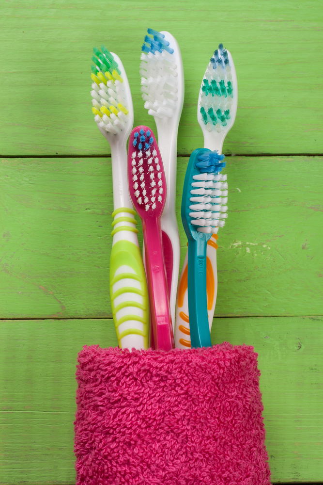 Best Manual Toothbrush Recommended By Dentists