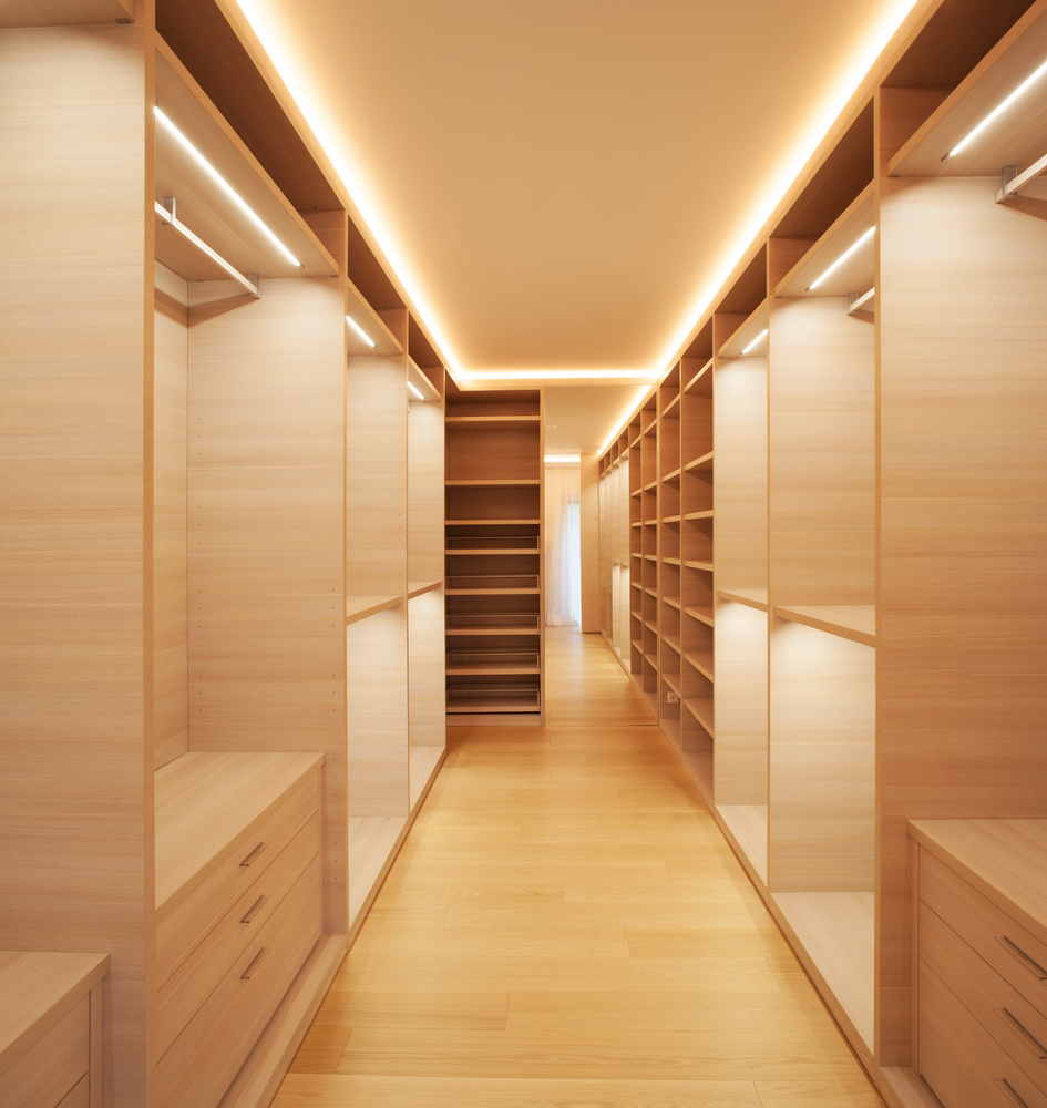 7 must try tricks for organizing your walk in closet for Adding a walk in closet