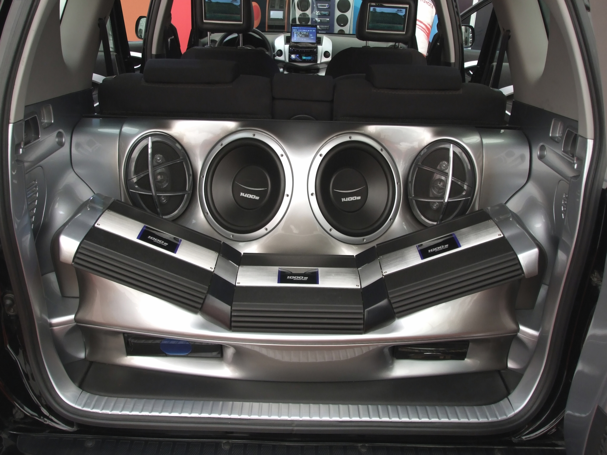 4 Reasons To Have Your Car Audio System Professionally Installed