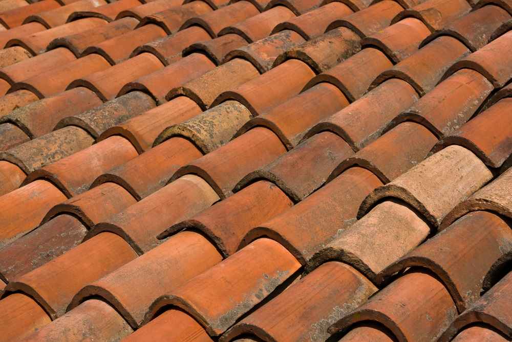 3 important differences between roofing tiles shingles for Clay tile roofs