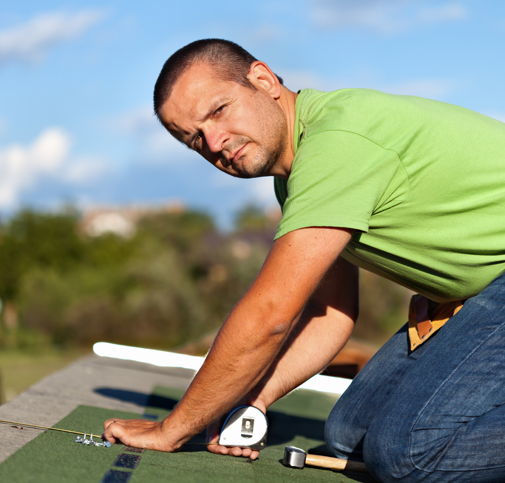 4 tips for finding the right roofing contractor premier for Roof right