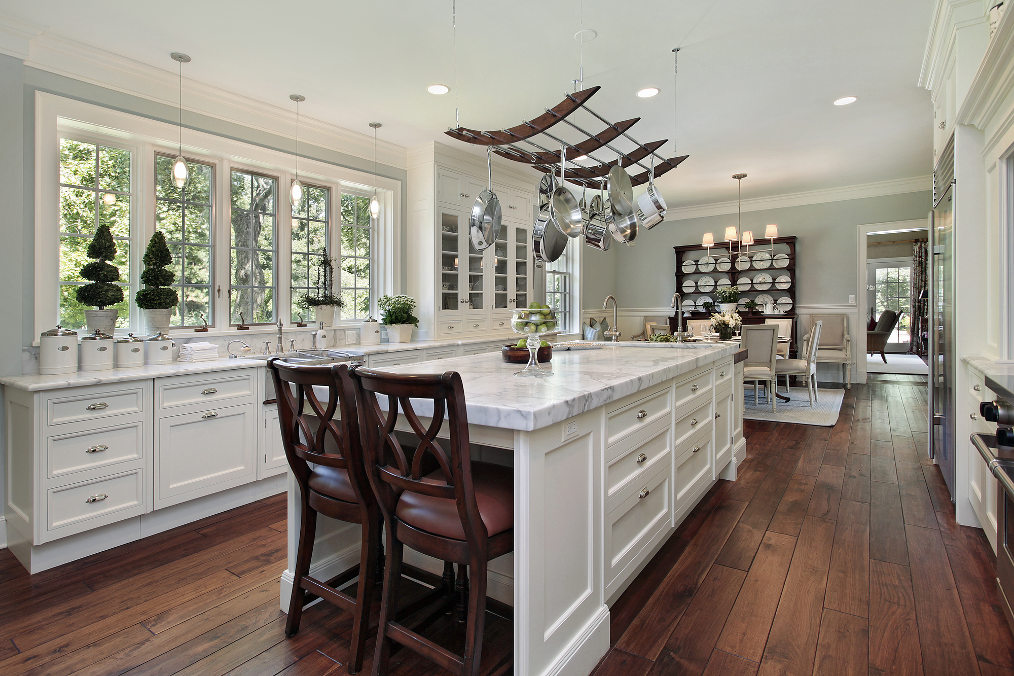 15 Tips for Choosing a Kitchen Countertop Color - Selective ...