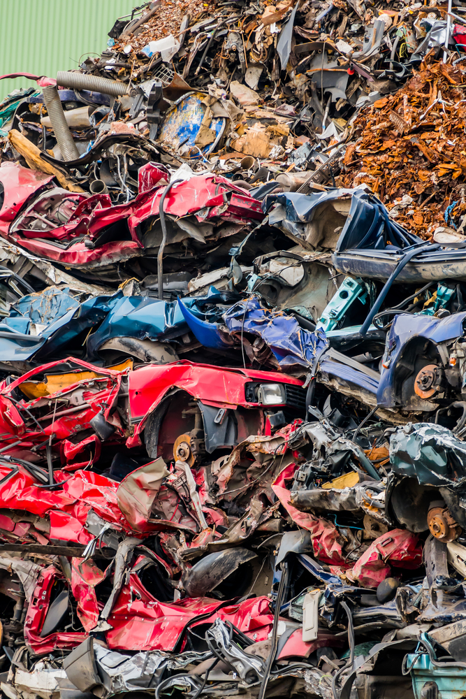 4 Smart Things to Do When You Take Your Car to a Salvage Yard ...