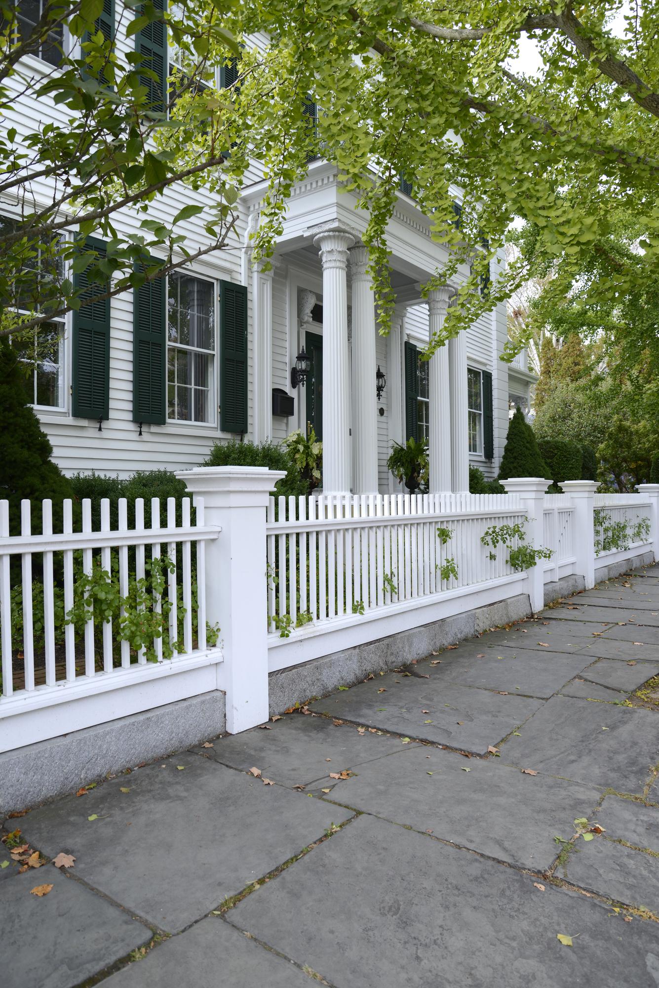 Dothan, AL vinyl fences