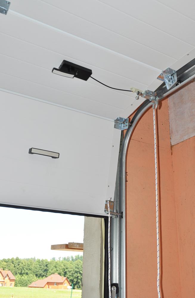 3 Signs Your Garage Door Has A Broken Spring Mp Garage Doors