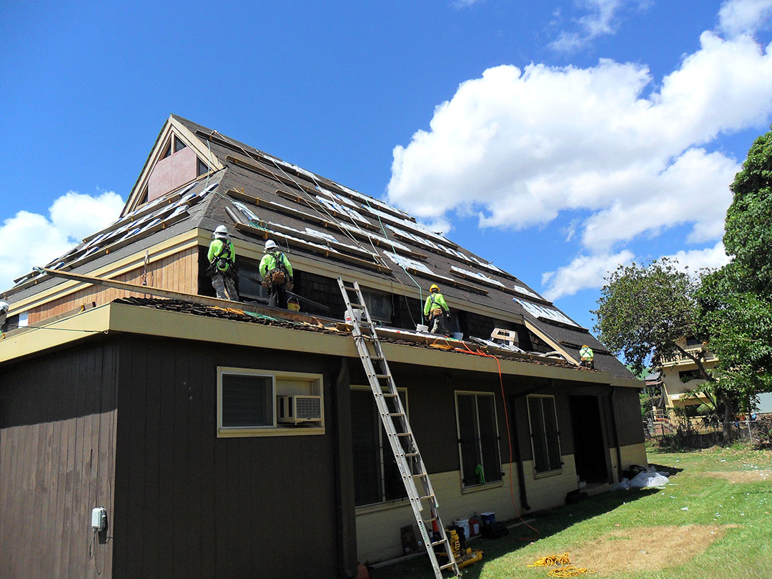 5 ways to boost your home s energy efficiency this summer for Energy efficient roofing material