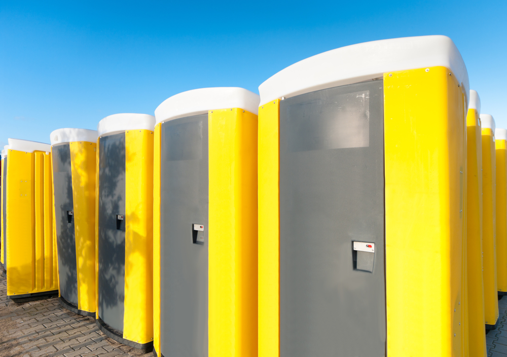 3 reasons fancy porta potty rentals are perfect for your for Porta johns for rent