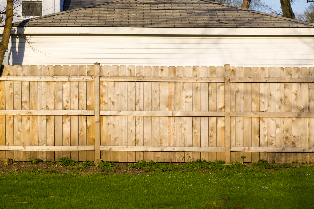 A guide to fence installation etiquette david 39 s fencing for Fence installation tips