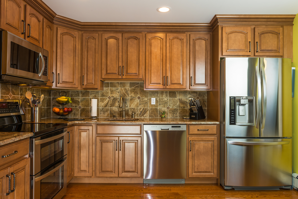 A building supplies pro shares 3 features of quality for Quality kitchen cabinets
