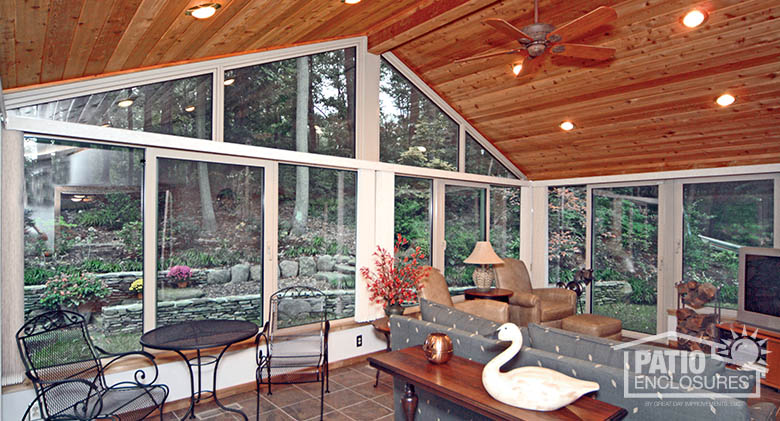 3 Differences Between 3 Season Sunroom And 4 Season