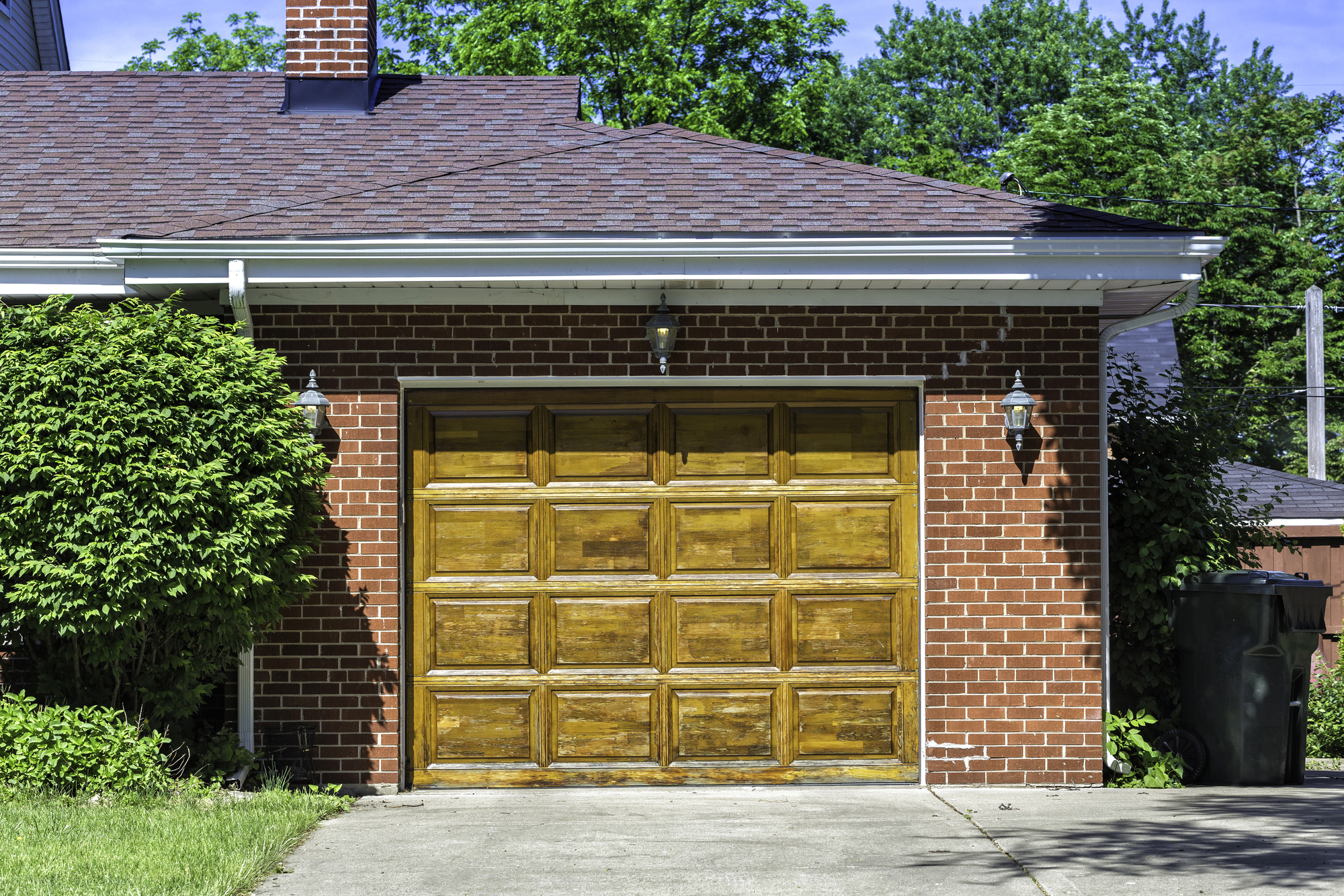 How to Choose an Energy-Efficient Garage Door - Chris