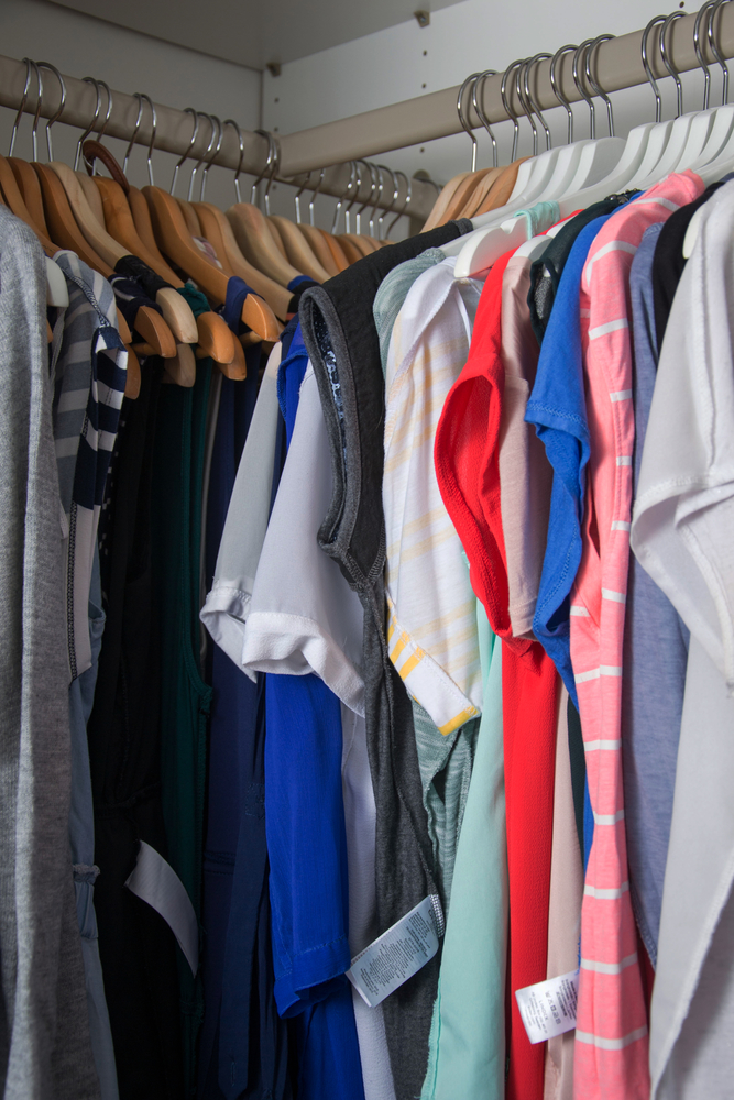 Allow Clothes To Breathe: There Should Be Enough Space Around Your Clothes  For Air To Circulate, So Avoid Packing Hangers In Too Tightly.