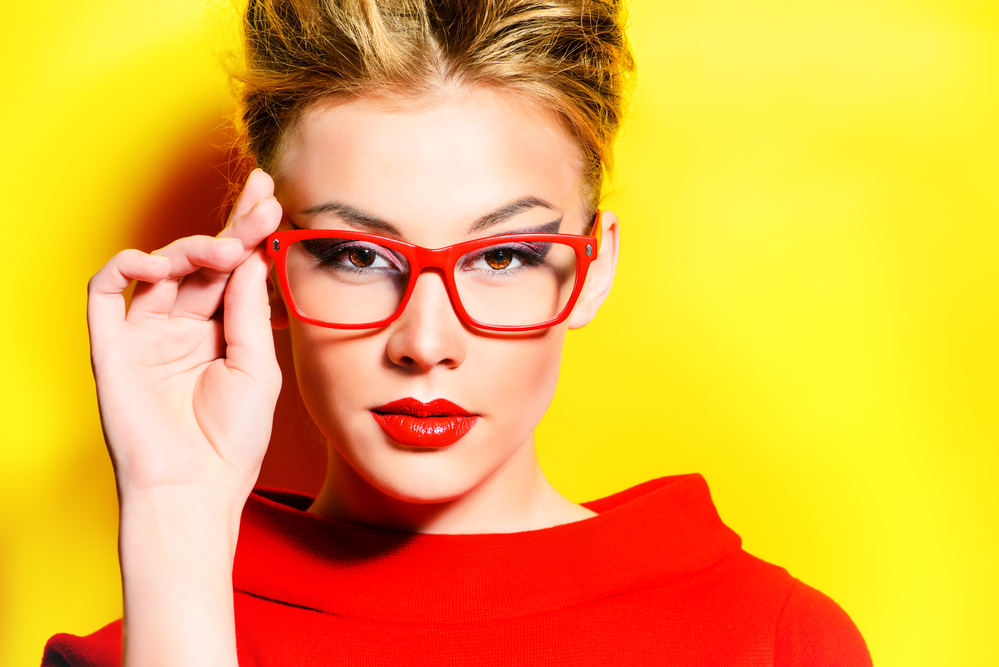 9072e6ae9a How to Make a Fashion Statement With Your Glasses - Wing Eyecare ...